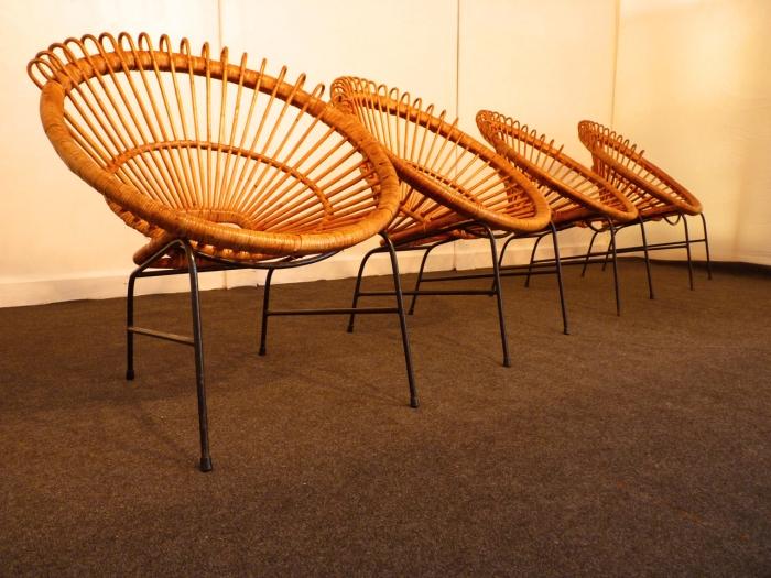 Bonsoir, 4 fauteuils Janine Abraham 1962, à retrouver sur l'onglet mobilier !